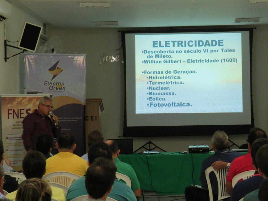 Palestra sobre energia fotovoltatica