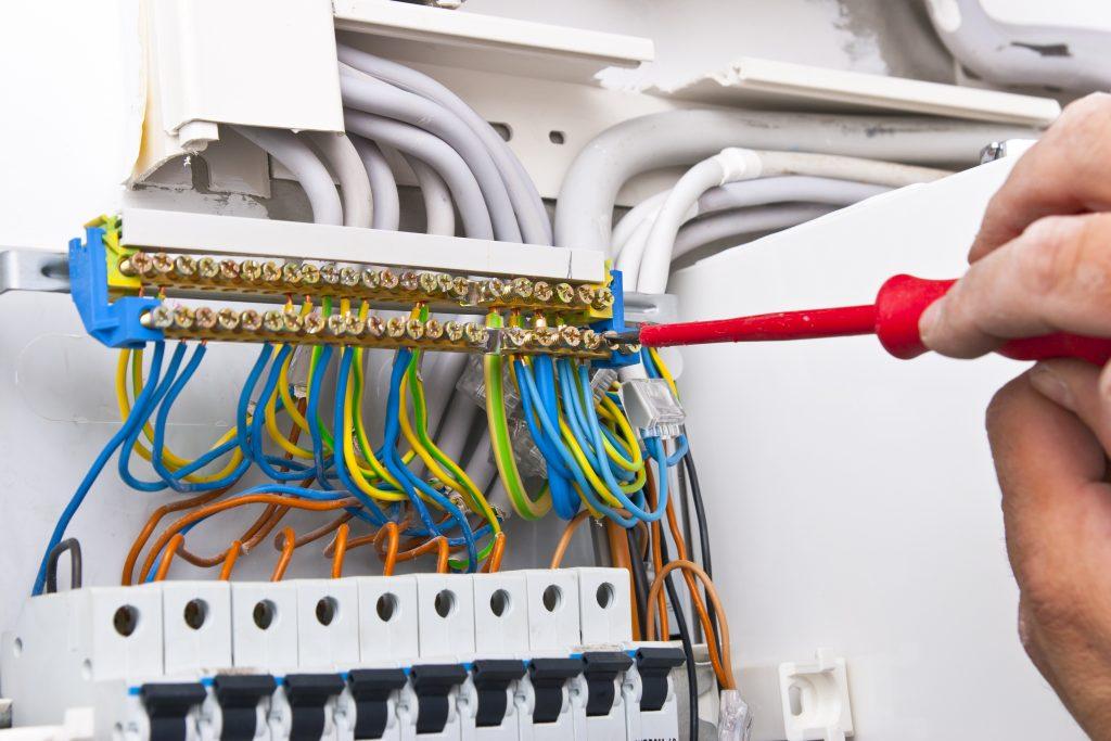 Instalações elétricas prediais e residenciais